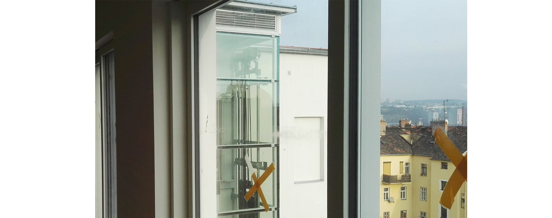Realizace výtahu pro bytový dům na Praze 7 v návaznosti na adaptaci podkroví