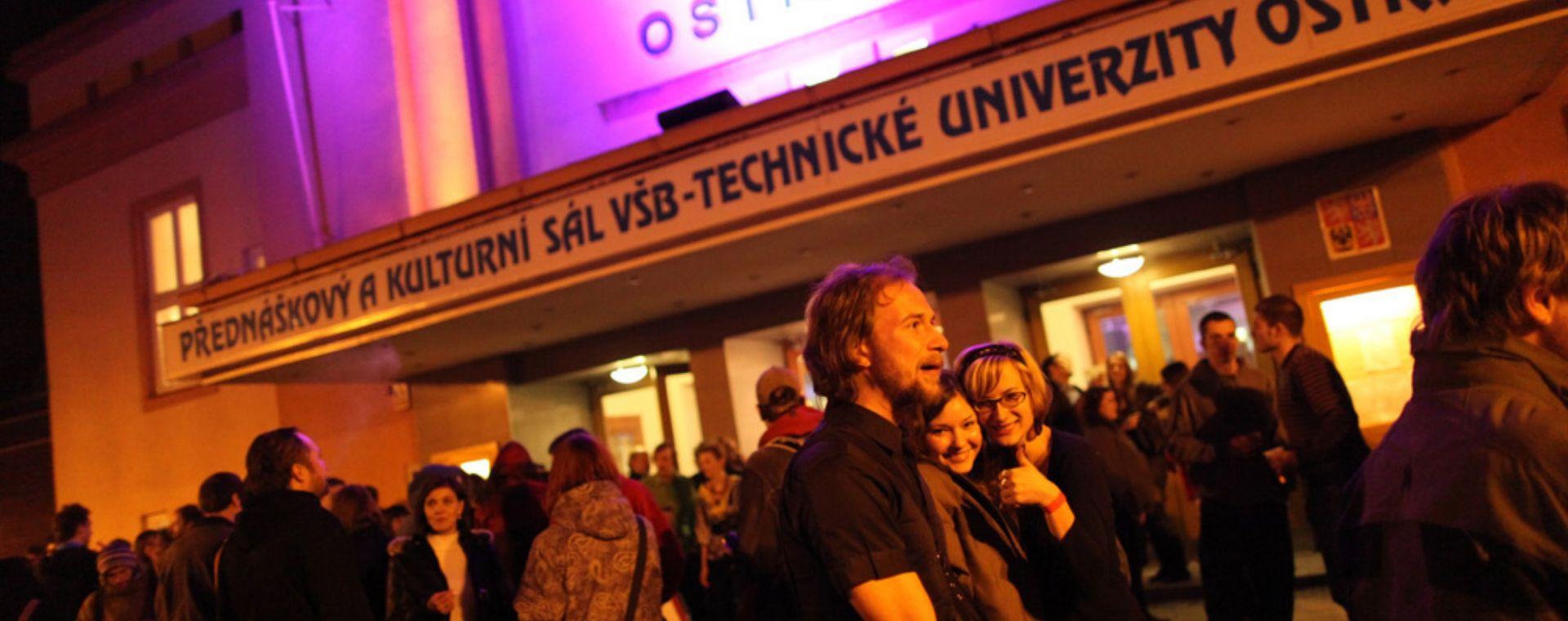 Pecha Kucha night Ostrava - nasvícení akce, spolupráce s Philips lighting, 2011, CZ