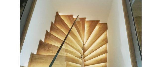Postavili jsme další schody a další duplex, ze schodů máme radost, není lehké takové postavit! Praha 6, 05/2016, CZ